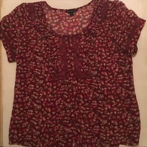 American Eagle (AEO) Floral button down top